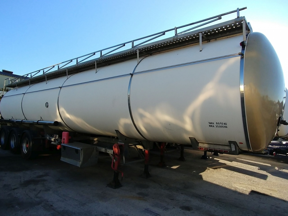 Tank  Capacity 35.000 litres, Compartments Nº: 1, Year of Manufacture: 1996, Plate Nº.: SE-06592-R