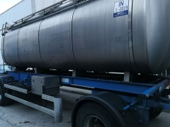 Tank  Capacity 12.000 litres, Compartments Nº: 3, Year of Manufacture: 2002, Plate Nº: R-7543-BBZ