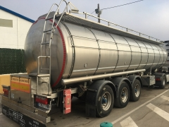 Tank  Capacity 32.388 litres, Compartments Nº: 4, Year of Manufacture: 1999, Plate Nº: CR-03976-R