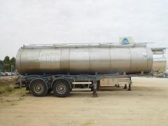Cisterna Capacidad: 22.000 litros, Nº Compartimentos: 3, Año Fabricación: 2001, Matrícula: R-0389-BCL
