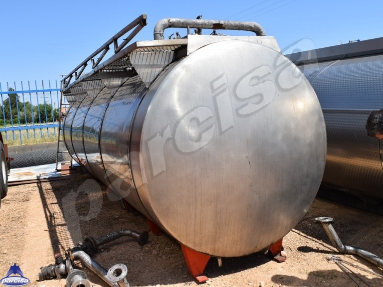 Tank  Capacity 11.880 litres, Compartments Nº: 3, Year of Manufacture: 1969, Plate Nº: DESMONTABLE