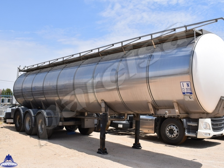 Tank  Capacity 28.500 litres, Compartments Nº: 4, Year of Manufacture: 1998, Plate Nº.: S-03851-R