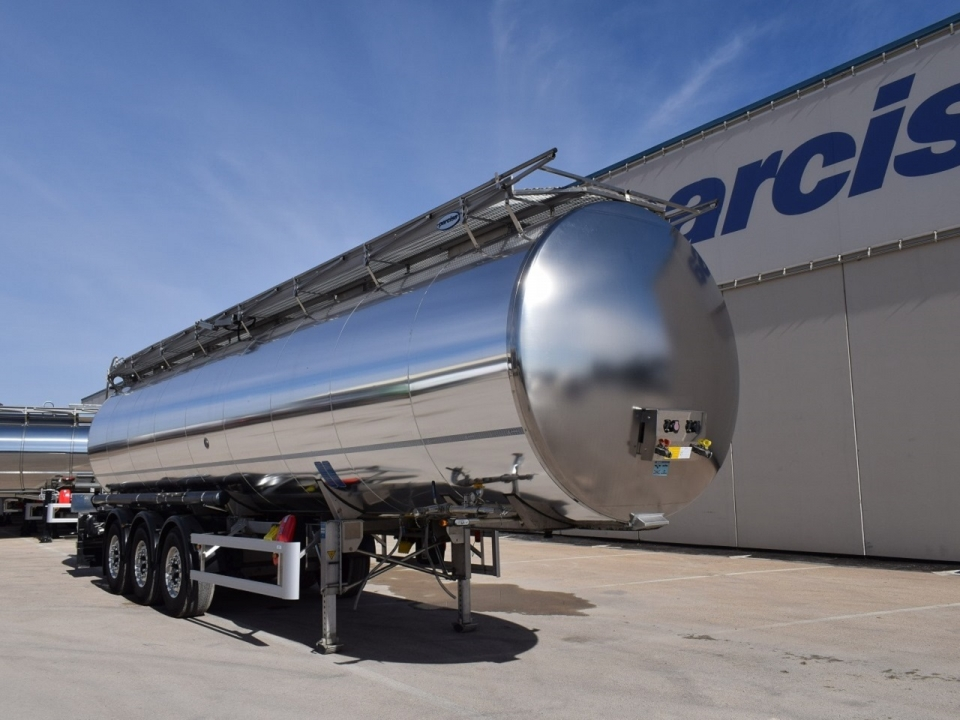 Tank  Capacity 37.500 litres, Compartments Nº: 1, Year of Manufacture: 2014, Plate Nº: R-1126-BCT (ONLY FOR RENT IN SPAIN)