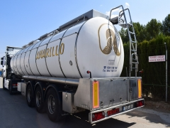 Tank  Capacity 31.000 litres, Compartments Nº: 3, Year of Manufacture: 2003, Plate Nº.: R-7835-BBM