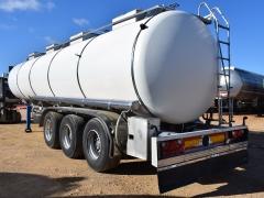 Cisterna Capacidad: 30.000 litros, Nº Compartimentos: 4, Año Fabricación: 1998, Matrícula: SE-07610-R