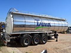 Citerne  Capacité 32.000 litres, Compartiments Nº: 4, Année de Fabrication: 2001, Immatriculation R-8592-BBF