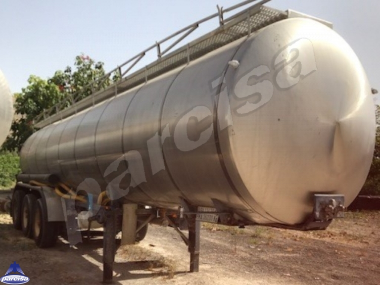 Tank  Capacity 24.800 litres, Compartments Nº: 4, Year of Manufacture: 1985, Plate Nº: LU-00361-R