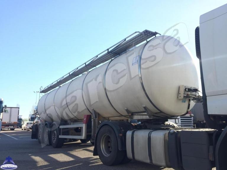 Cisterna Capacidad: 32.500 litros, Nº Compartimentos: 1, Año Fabricación: 2007, Matrícula: R-3889-BCC