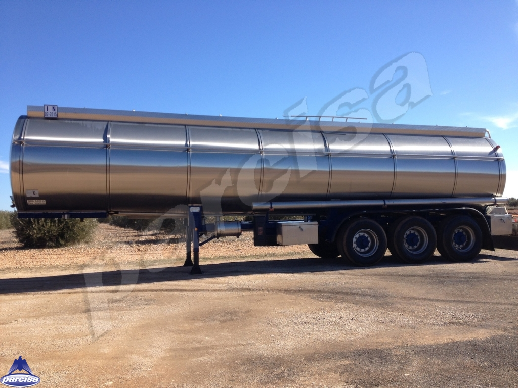 Tank  Capacity 28.000 litres, Compartments Nº: 5, Year of Manufacture: 1984, Plate Nº.: CR-01831-R.