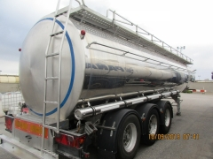 Tank  Capacity 32.320 litres, Compartments Nº: 1, Year of Manufacture: 1994, Plate Nº: GI-02485-R