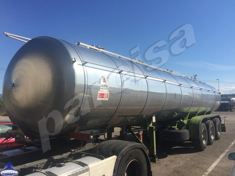 Tank  Capacity 27.200 litres, Compartments Nº: 4, Year of Manufacture:  1.993, Plate Nº: LO-01383-R