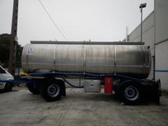 Remolque Capacidad: 12.000 litros, Nº Compartimentos: 3, Año Fabricación: 2003, Matrícula: R-3422-BBN