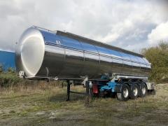 Tank  Capacity 28.000 litres, Compartments Nº: 4, Year of Manufacture: 1992, Plate Nº: BU-02168-R (RENOVACION TUNEL, ATP CADUCIDAD EN 2024)