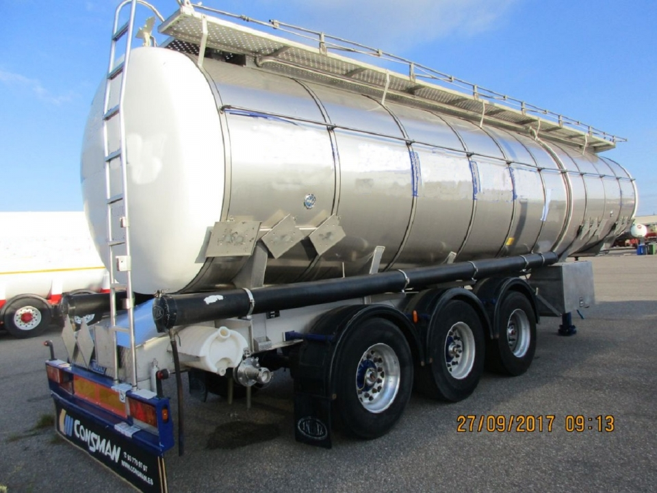 Tank  Capacity 33.920 litres, Compartments Nº: 3, Year of Manufacture: 2003, Plate Nº.: R-5566-BBM